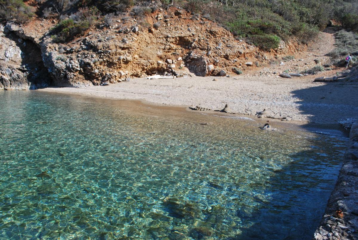 Isola del Giglio spiagge e calette spettacolari | Mappa ...