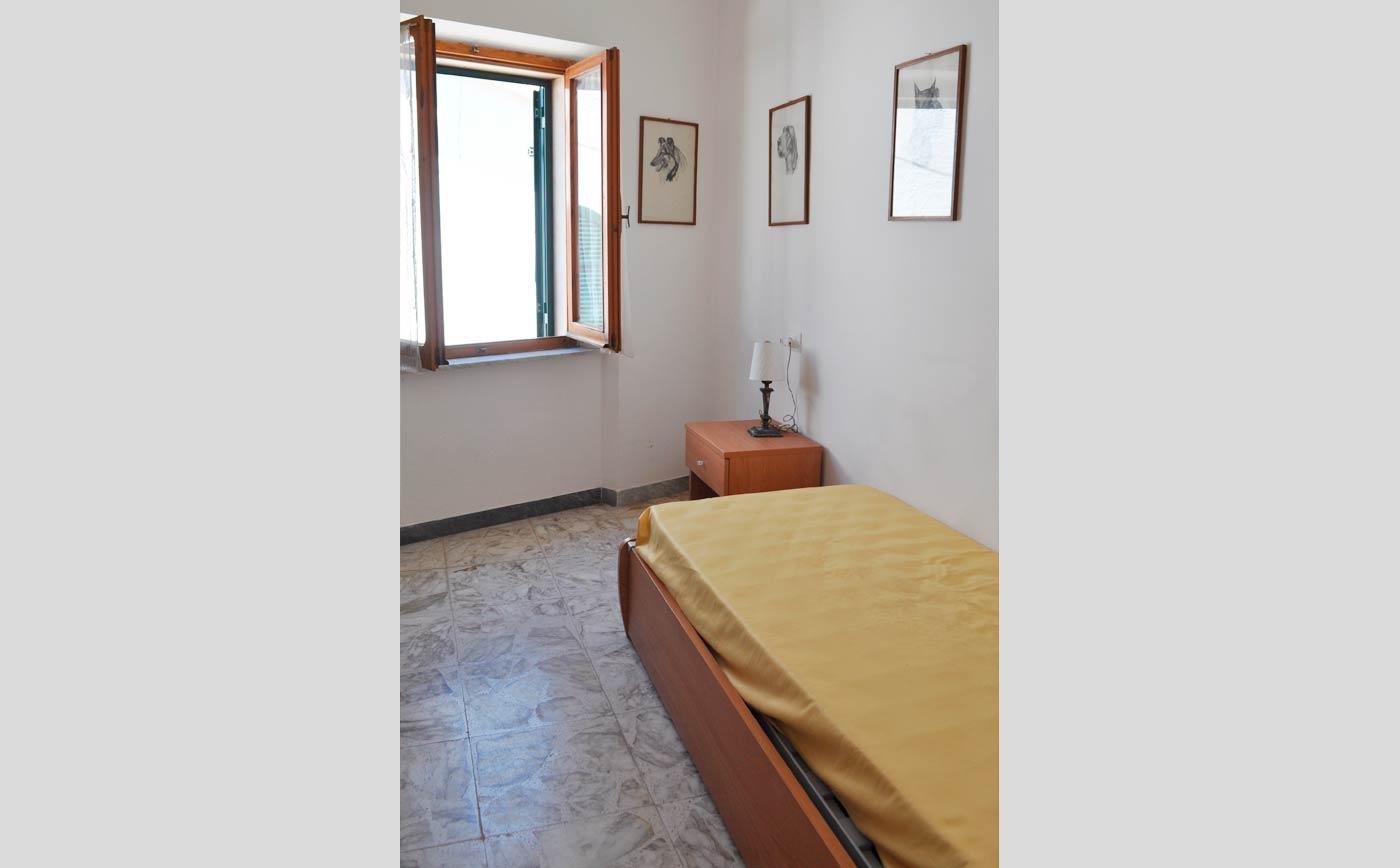 Gianluca camera letto singolo giglio vacanze - Camera letto singolo ...