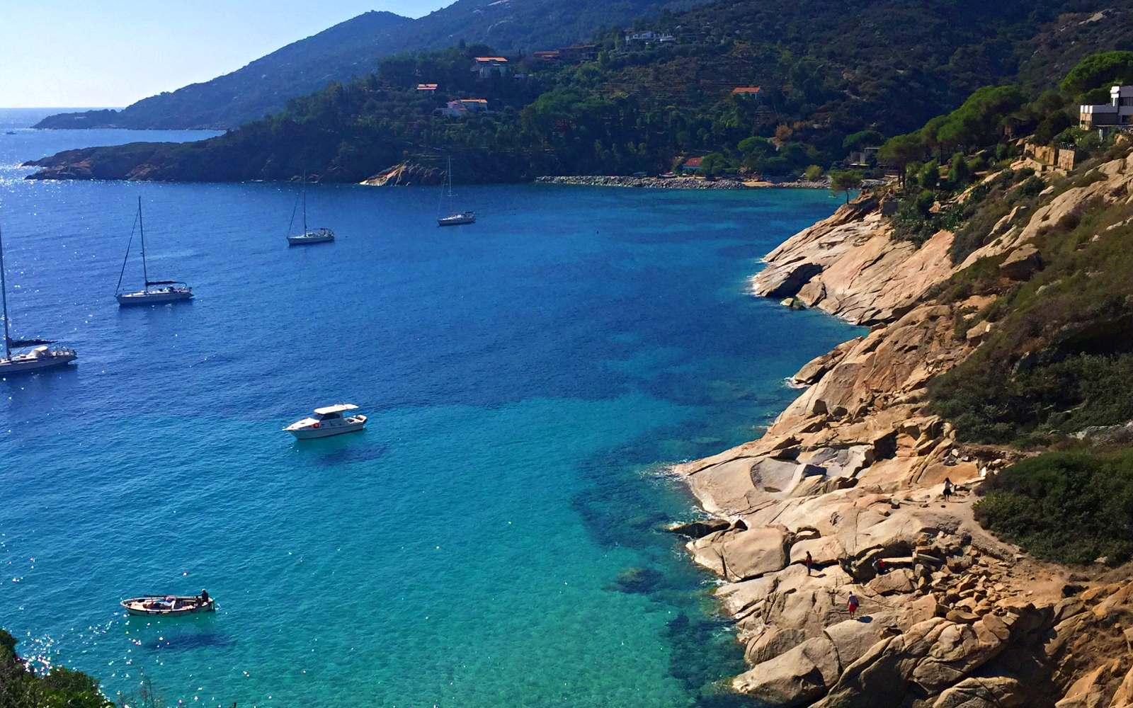 vista acqua spiaggia delle cannelle isola del giglio